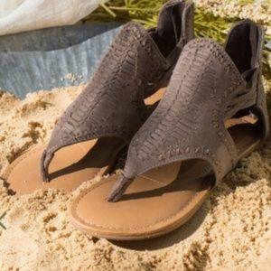Altard State 7.5 M Gladiator Sandals